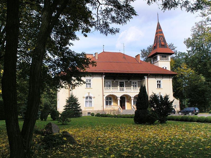 DWÓR W ŁĘGU TARNOWSKIM, fot. M. Klag (MIK, 2009) CC BY SA 3.0